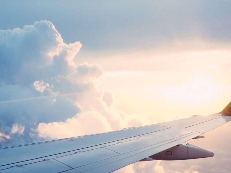 Milieuorganisaties: Klimaaturgentie luchtvaartnota ver te zoeken