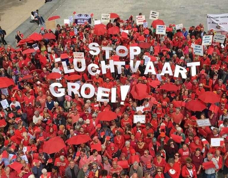 """Actie tegen de luchtvaartgroei: """"60% draagt niet bij aan onze economie"""""""