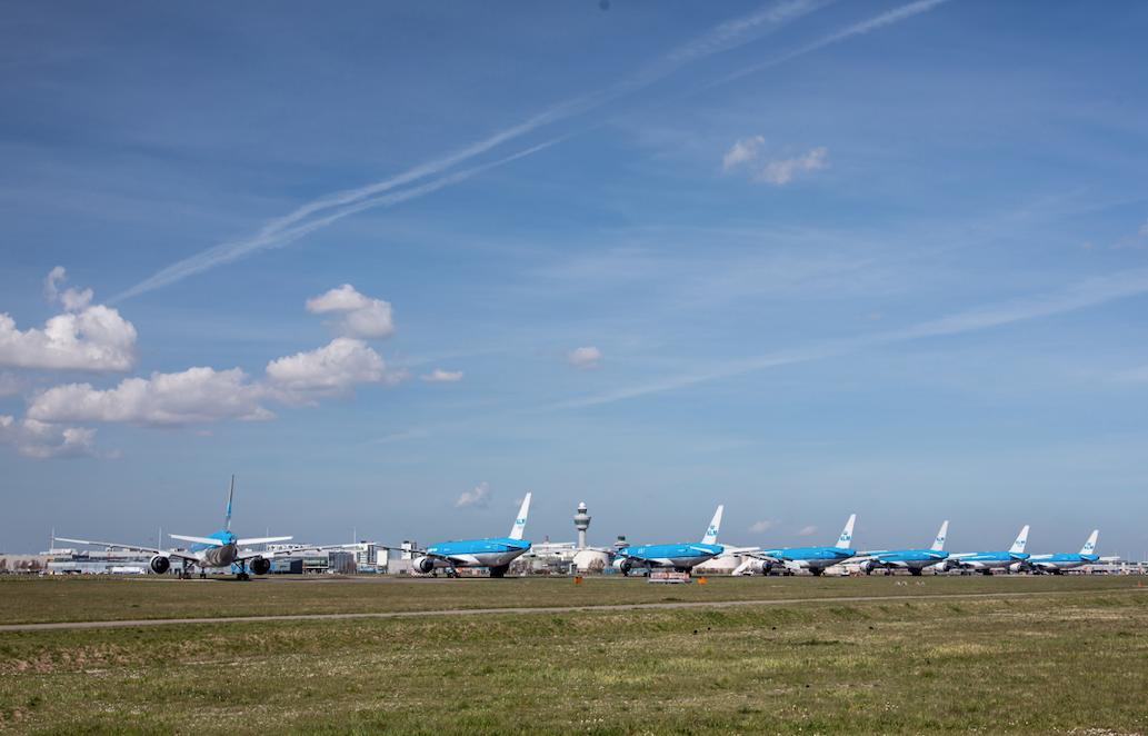 77% Nederlanders tegen groei luchtvaart, maar minister Van Nieuwenhuizen trekt zich er weinig van aan